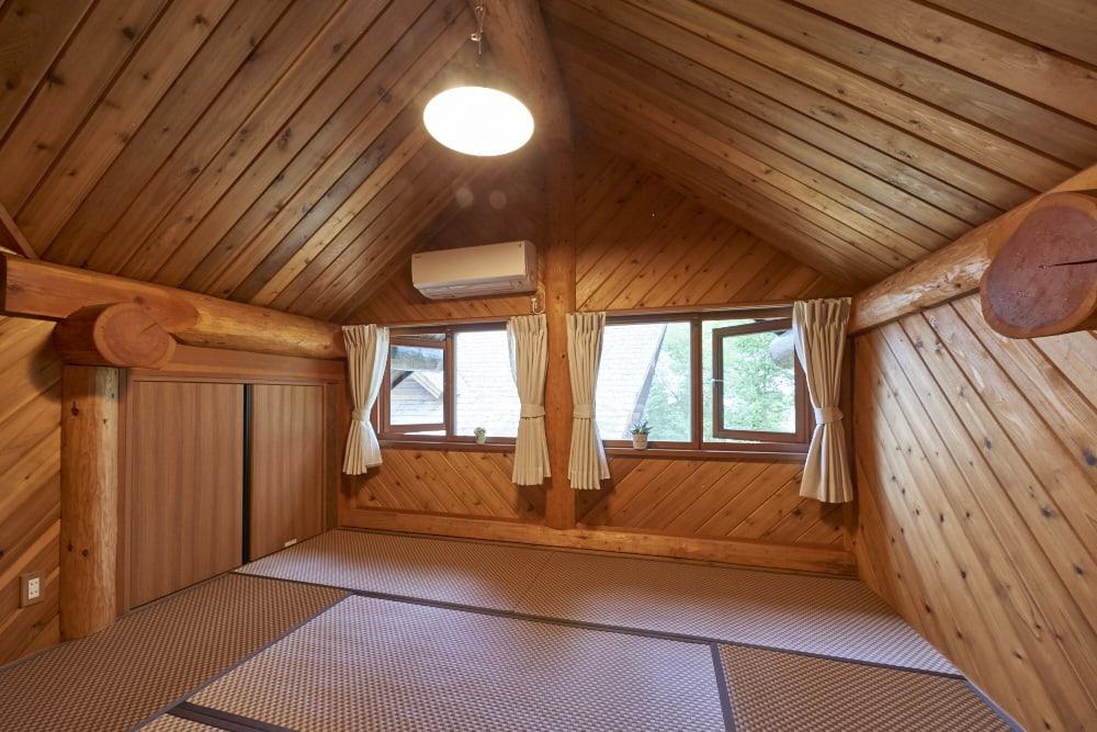 ログハウス和室